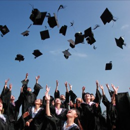 6 Smart Money Moves for New College Graduates article image